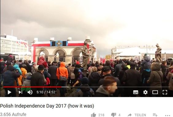 Polish Independence Day 2017 (how it was)The Israelish Canadian Ponczek Mike Rychlik in Warsaw am 27.07.2017 veröffentlicht https://youtu.be/wz5Zwl7snEs Me in HD   Szuka job z kamera i  chyba już ma, bo zrzucił z youtuba to, co udało mu się dziwnym cudem nagrać, że Kiszczak dogadał się w Magdalence z Macierewiczem przez Michnika a z Kaczyńskim skumał się przez brata
