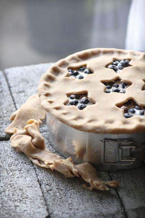 Adventures in Cooking: Buttermilk Blueberry Pie...<3
