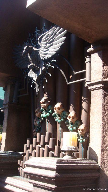 Halloween à Disney World, maison hantée queue http://comme-un-poisson-dans-leau.fr/halloween-disneyworld/