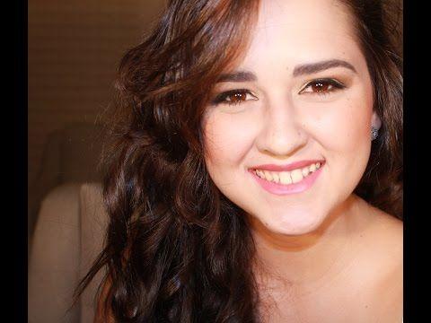 Assista esta dica sobre Maquiagem para dia - olhos pequenos! e muitas outras dicas de maquiagem no nosso vlog Dicas de Maquiagem.