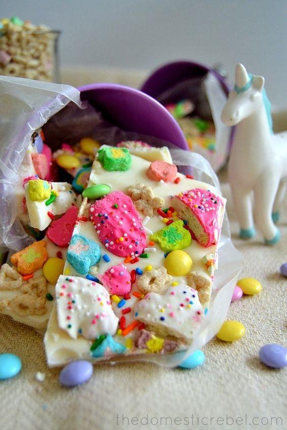 Lucky Rainbow Bark   17 Sweet Treats You Can Make With Animal Cookies