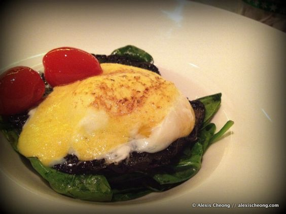 Sous Vide Eggs Benedict from Skyve: