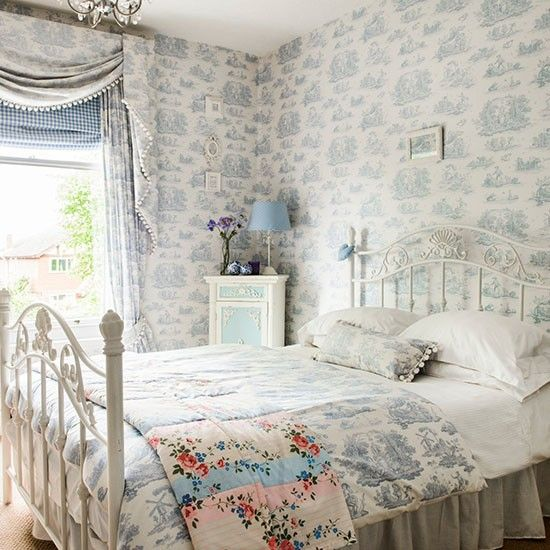 Guest bedrooms toile and bedrooms on pinterest for Pictures of beautiful guest bedrooms