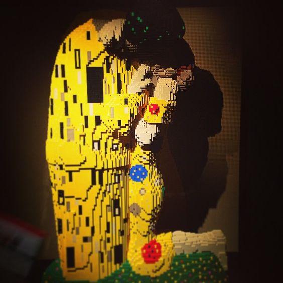 For you @sugartown74 #theartofthebrick #lego #gustavklimt #thekiss #art #amzing xx