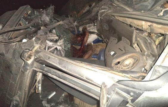 Ragnewsnoticias: #Noticias:Uma pessoa morreu em um acidente com duas carreta na BR 101