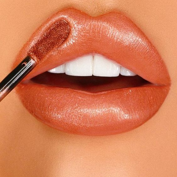 Stunning lip color palette