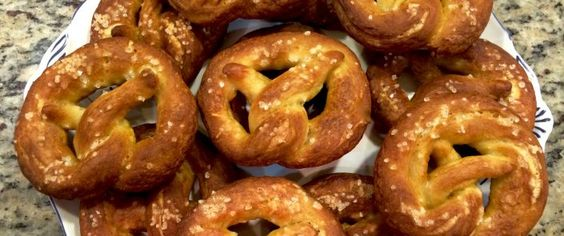 Homemade pretzels with an Oma twist. Here's a step-by-step recipe to keep you in the loop.