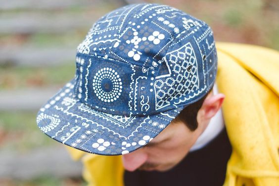 "Casquette Vans motifs provenant du look ""La petite ceinture"" de Jimmy dit la Patrouille #menswear #mensfashion #menstyle #style #men #mode #homme #look #clothing #fashion #lifestyle #model #ootd #waywt #mode #trends #dope #style #menclothes #jogpants #nike #lacoste #man #inspiration #fashionblog #male #menblog #frenchblog #blogger"