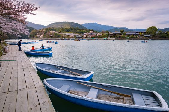https://flic.kr/p/Etgj6L | Boats by Hozu River, Arashiyama, Kyoto | Arashiyama (嵐山) is a pleasant, touristy district in the western outskirts of Kyoto. The area has been a popular destination since the Heian Period (794-1185), when nobles would enjoy its natural setting. Arashiyama is particularly popular during the cherry blossom and fall color seasons. /via Japan-guide.com