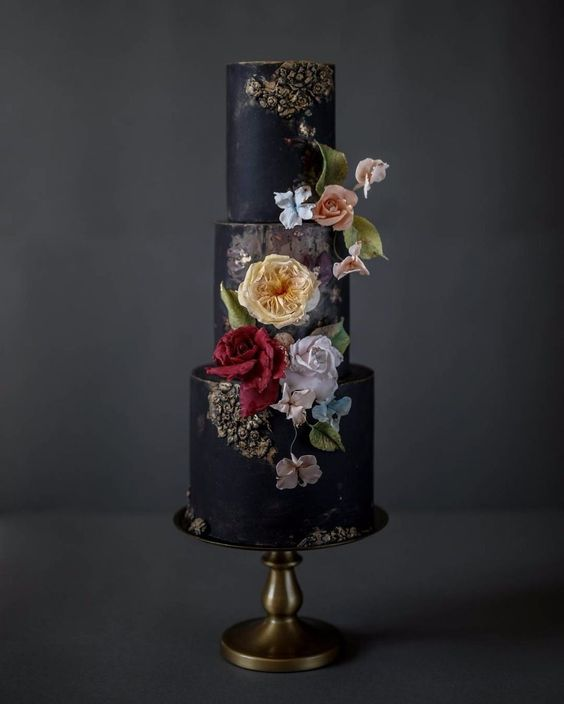 Black Wedding Cakes Are a Total Must for Edgy Brides
