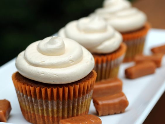 Pumpkin Cupcakes with Salted Caramel Buttercream // THESE LOOK AMAZING OMG OMG!