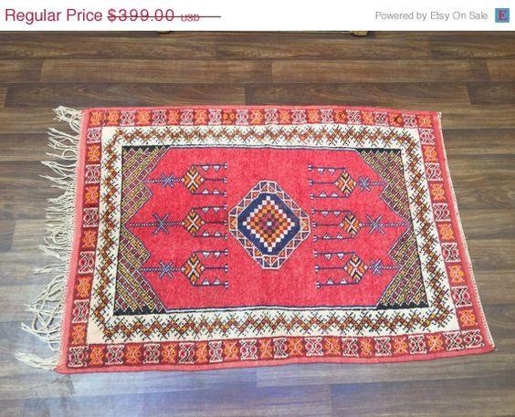 Soldes d'été Vintage Trible berbère marocain par Beniouraincarpets
