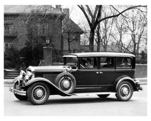 1930-Peerless-Straight-Eight-Sedan-ORIGINAL-Factory-Photo-oub3086