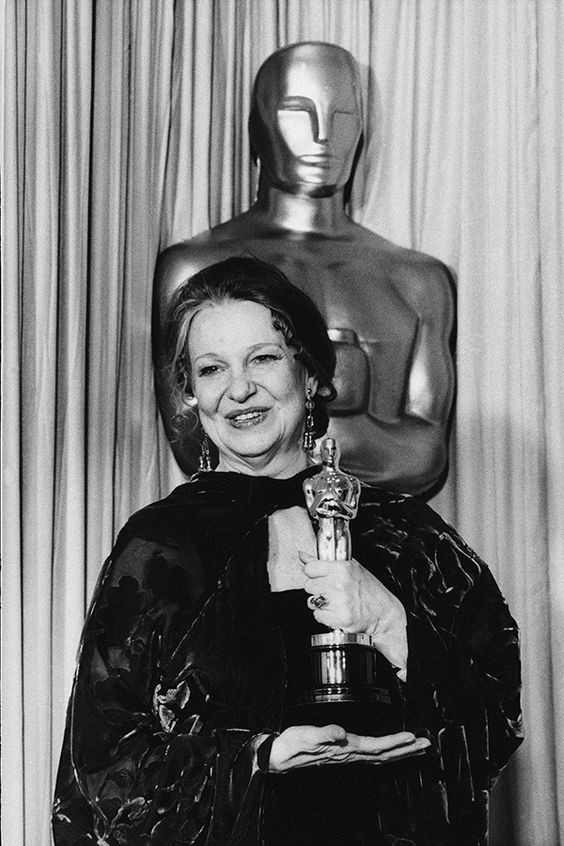 """Geraldine Page - Best Actress Oscar for """"The Trip To Bountiful"""" 1985"""