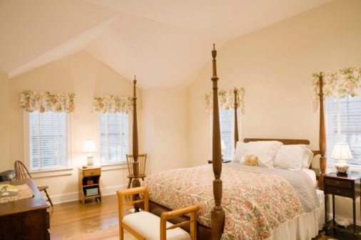 four poster bed bed diy bed skirt