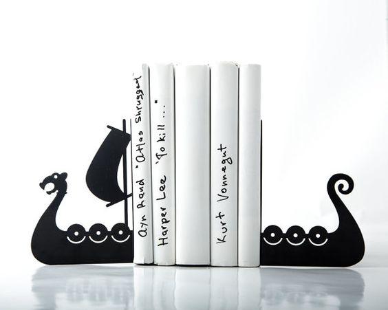 Serres-livres -bateau viking- coupe précise au laser. Ces serres-livres en métal soutiendront vos livres.