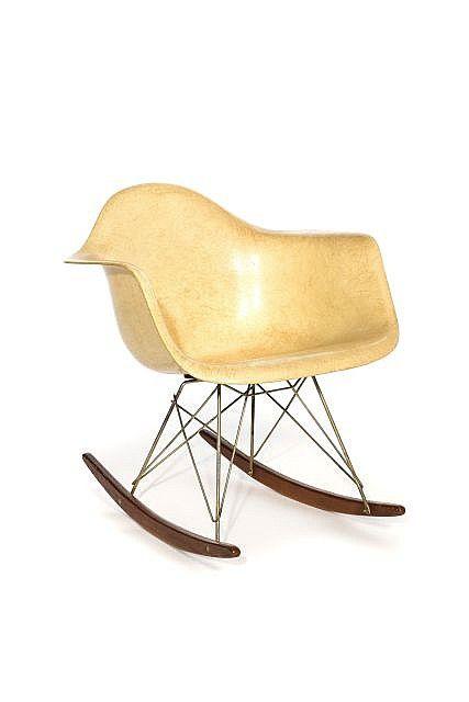 Charles ray eames 1907 1978 1912 1988 fauteuil de for Fauteuil rar eames fibre de verre