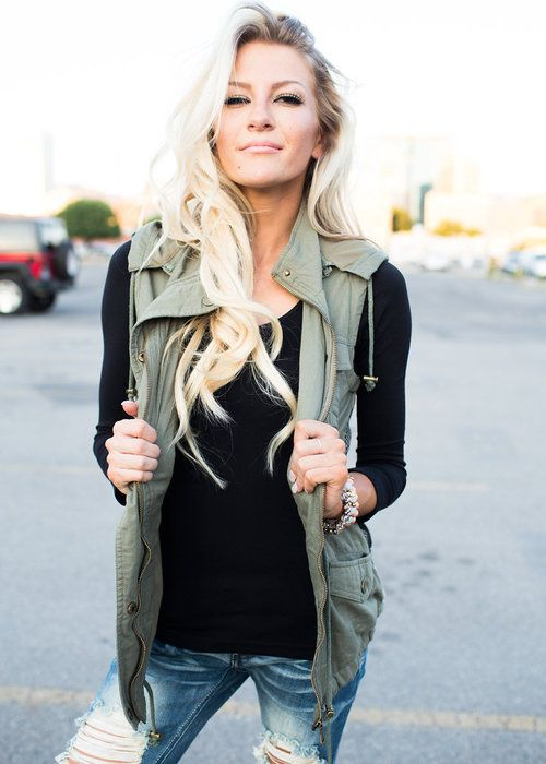 Hipster Fashion: Olive Aztec Back Hooded Vest