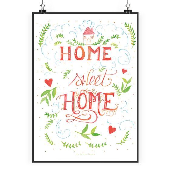Poster DIN A2 Home Sweet Home aus Papier 160 Gramm  weiß - Das Original von Mr. & Mrs. Panda.  Jedes wunderschöne Poster aus dem Hause Mr. & Mrs. Panda ist mit Liebe handgezeichnet und entworfen. Wir liefern es sicher und schnell im Format DIN A2 zu dir nach Hause.    Über unser Motiv Home Sweet Home  Am Schönsten ist es immer noch zuhause in den eigenen vier Wänden.     Verwendete Materialien  Es handelt sich um sehr hochwertiges und edles Papier in der Stärke 160 Gramm    Über Mr. & Mrs…