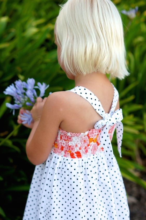 Girls sundress with bow bodice - tutorial by Caila Made