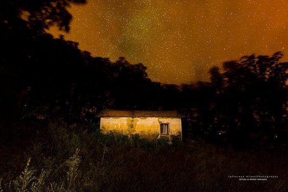 Uma casinha no meio do nada
