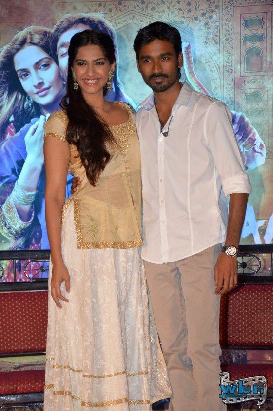 Dhanush and Sonam Kapoor in Raanjhanna Wallpaper Poster