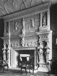 http://countryhouses.files.wordpress.com/2011/05/wiltshire-southwraxallmanor-fireplace.jpg?w=420