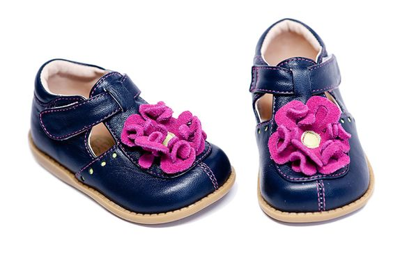 LOVE THESE!!! Livie and Luca Blossom Navy  $45.50