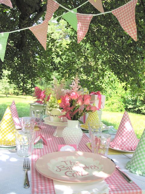 precious pink gingham tablesetting