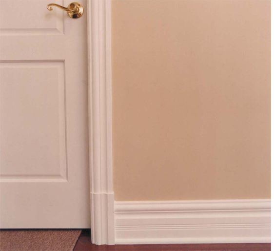 Socle bas de cadrage de porte plinthe boiseries raymond for Hauteur de porte interieure