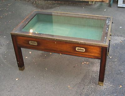 Antique campaign style coffee table vitrine display for Table vitrine