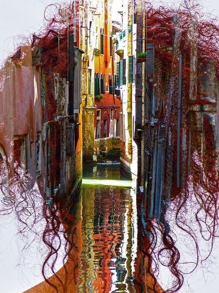 'Thinking of Venice' von Gabi Hampe bei artflakes.com als Poster oder Kunstdruck $34.65