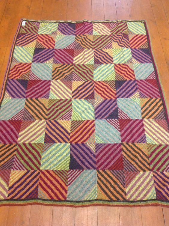 Plaid gebreid met felted tweed van Rowan naar een ontwerp van Kaffe Fasset