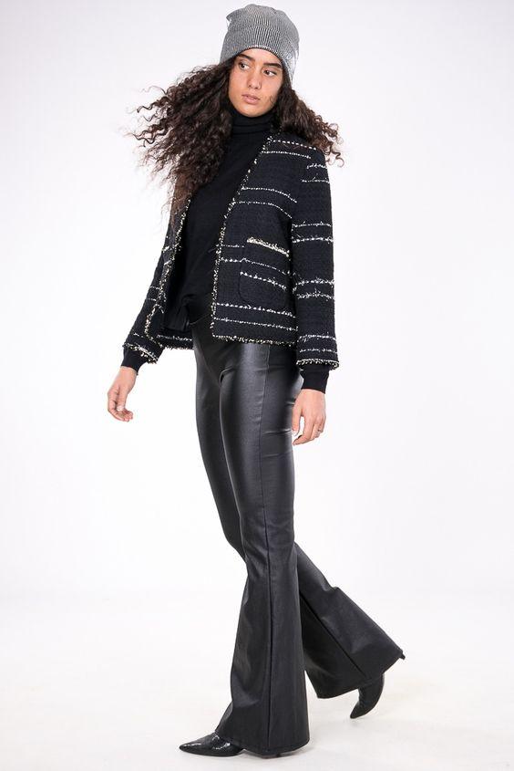 PANTA ZAMPA ECOPELLE  #Pantalone a zampa in #ecopelle, #elasticizzati, dal sapore bohémien, intramontabile e versatile  #pantaloneazampa #DANI #shoppingonline #shopping #moda #abbigliamento #fashion #trend