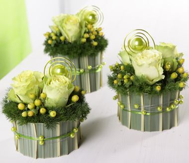 Centre de table vert anis deco florale pinterest - Petit centre de table floral ...