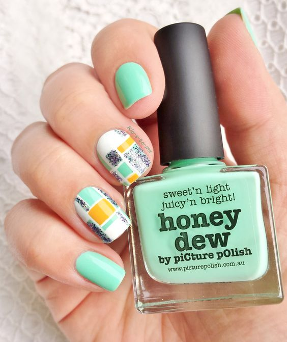 My Mondrian- Picture polish : Honey dew- Picture polish : Totes- China Glaze : Marry a millionaire n°80772- Essence : stampy polish