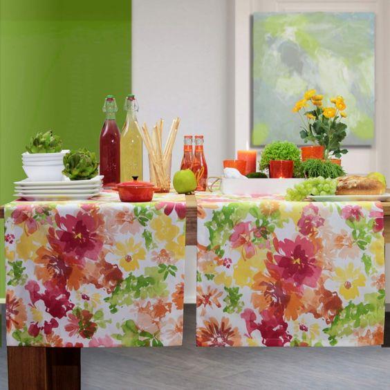 Tischläufer RIVIERA von Sander für einen zauberhaften Sommertisch.