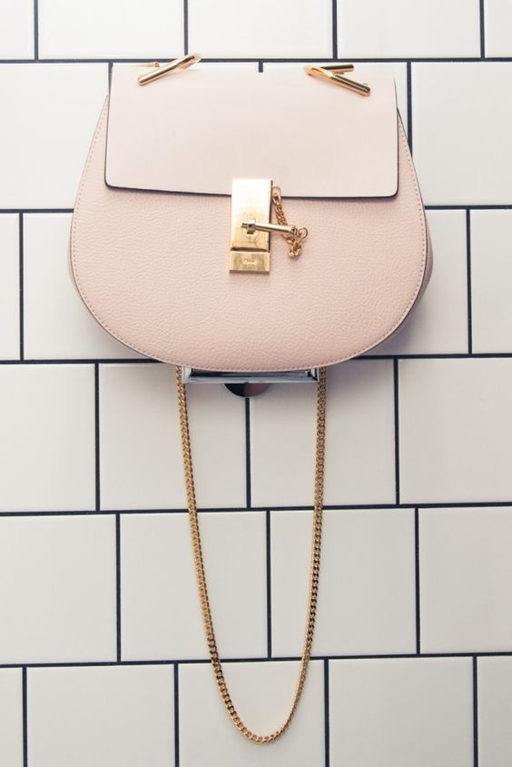 chloe replica handbags guarantee a classy look