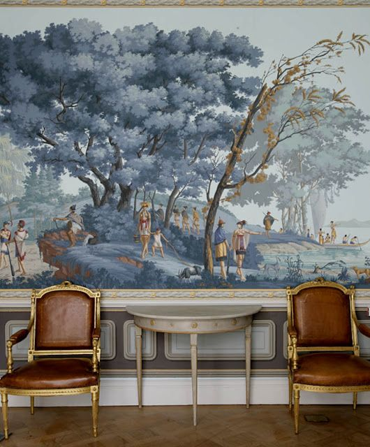 Cognac colored leather on gilt chairs grey paint for Chinoiserie wall mural