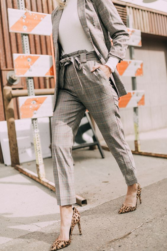 express workwear outfit idea what to wear to office fall attire