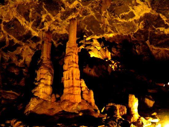 Minnetonka Cave by Bear Lake