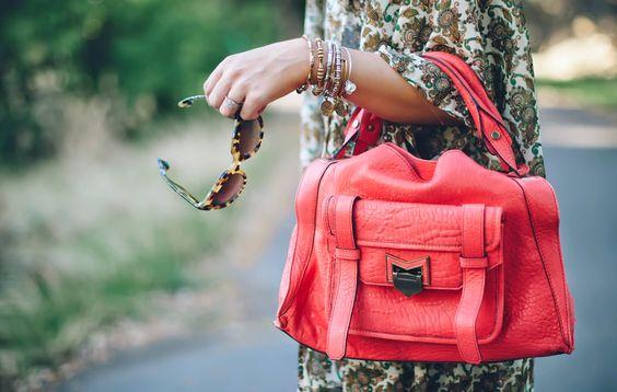 Adorable summer purse.