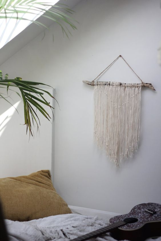 Natural driftwood wall hanging the bird pinterest for Yarn wall hanging
