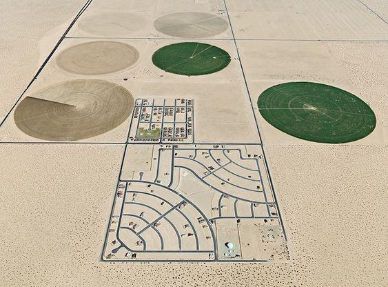 "Edward Burtynsky, ""Pivot Irrigation/Suburb, South of Yuma Arizona, USA"" (2011)"