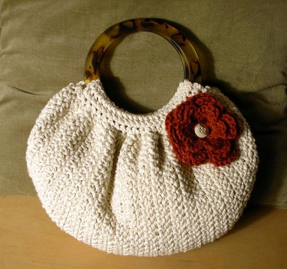 Beginners Crochet Bag Patterns : Free Crochet Purses Bags Patterns FAT BOTTOM BAG CROCHET ...
