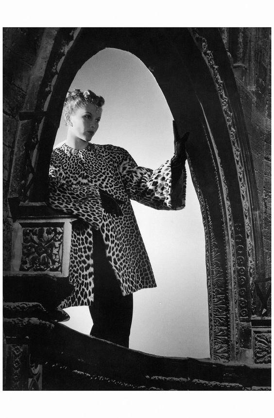 Lisa Fonssagrives in leopard coat by Molyneux 1938 Horst P. Horst