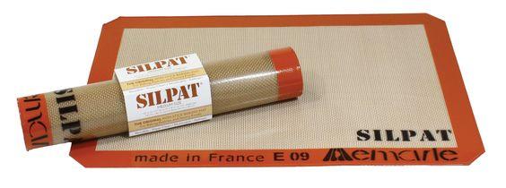 Amazon.com: Silpat AE365240-02 Premium Non-Stick Silicone Baking Mat, 14-3/8-Inch x 9-1/2-Inch: Kitchen & Dining