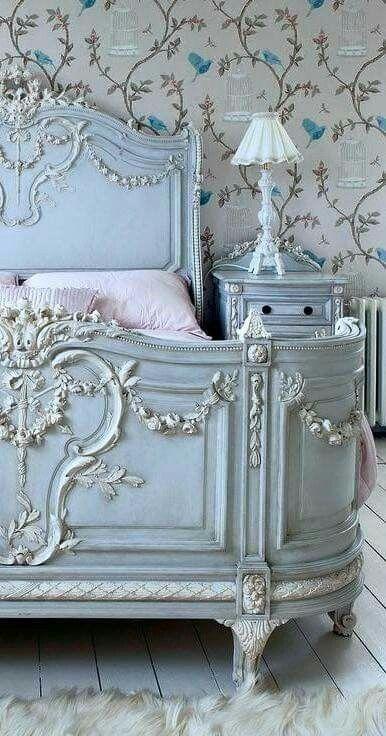 Heavenly blue bed (image via Paris Style Antiques on Facebook)