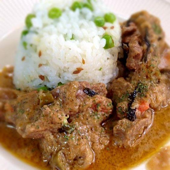 じっくり煮込んだラム肉に玉ねぎとヨーグルトがバッチリ! - 28件のもぐもぐ - 玉ねぎとヨーグルトの旨み ラム肉のカレー イスラーム風 by de0de0