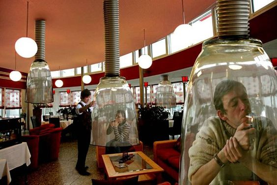 smoking zones for VIP. 超強 吸菸區!!